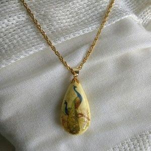 Vintage Tear Drop Pendant Necklace